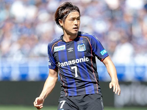 プロサッカー選手、遠藤保仁