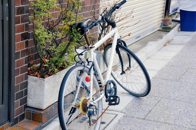 街中に駐車されている自転車